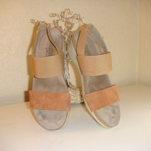 Munro Pisces Leather Suede Sandals
